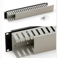 """TRITON 19"""" vyvazovací panel 2U jednostranná plastová lišta, šedo-černá"""
